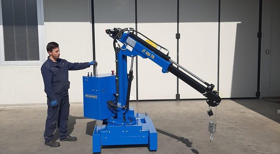 malé plně elektrické a půl elektrické jeřáby s maximální nosnosti až do 450 kg.