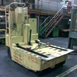 Jeřáb pro zvedání forem s nosností až 750 ton.