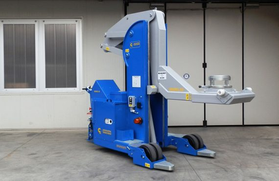 A new mobile crane for tyre mould handling