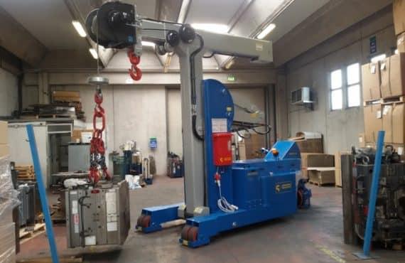 Macchina sollevamento stampi portata 12.000 kg