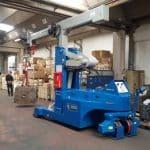 Macchina per sollevamento stampi con portata fino a 12.000 kg.