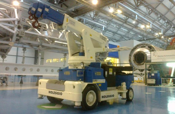 Gru sollevamento con portata fino a 12.500 kg.