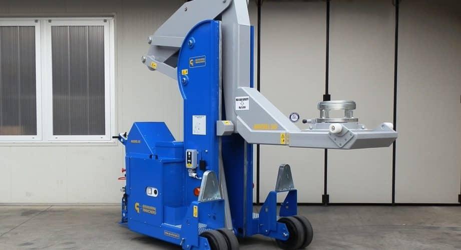 Elektrický jeřáb pro manipulaci s formami v oblasti výroby pneumatikMinidrel 50S_HG