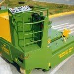 Macchina per sollevamento stampi con portata fino a 30.000 kg.