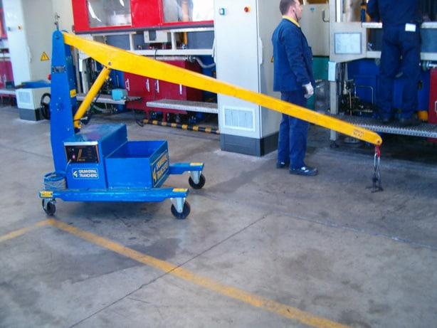 Gru elettriche movimentazione stampi pneumatici