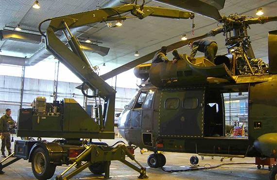 Carrello trainabile per manutenzioni in ambito civile, industriale e militare.