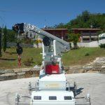 Подъемный кран с максимальной грузоподъемностью до 5000 кг.